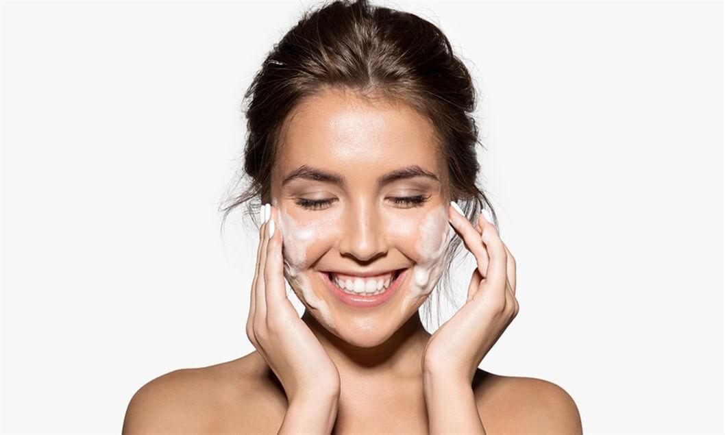 16 اشتباه رایج در هنگام شستشوی صورت !!!